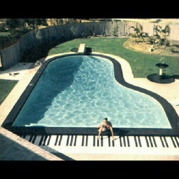 Swimming pool - Piano