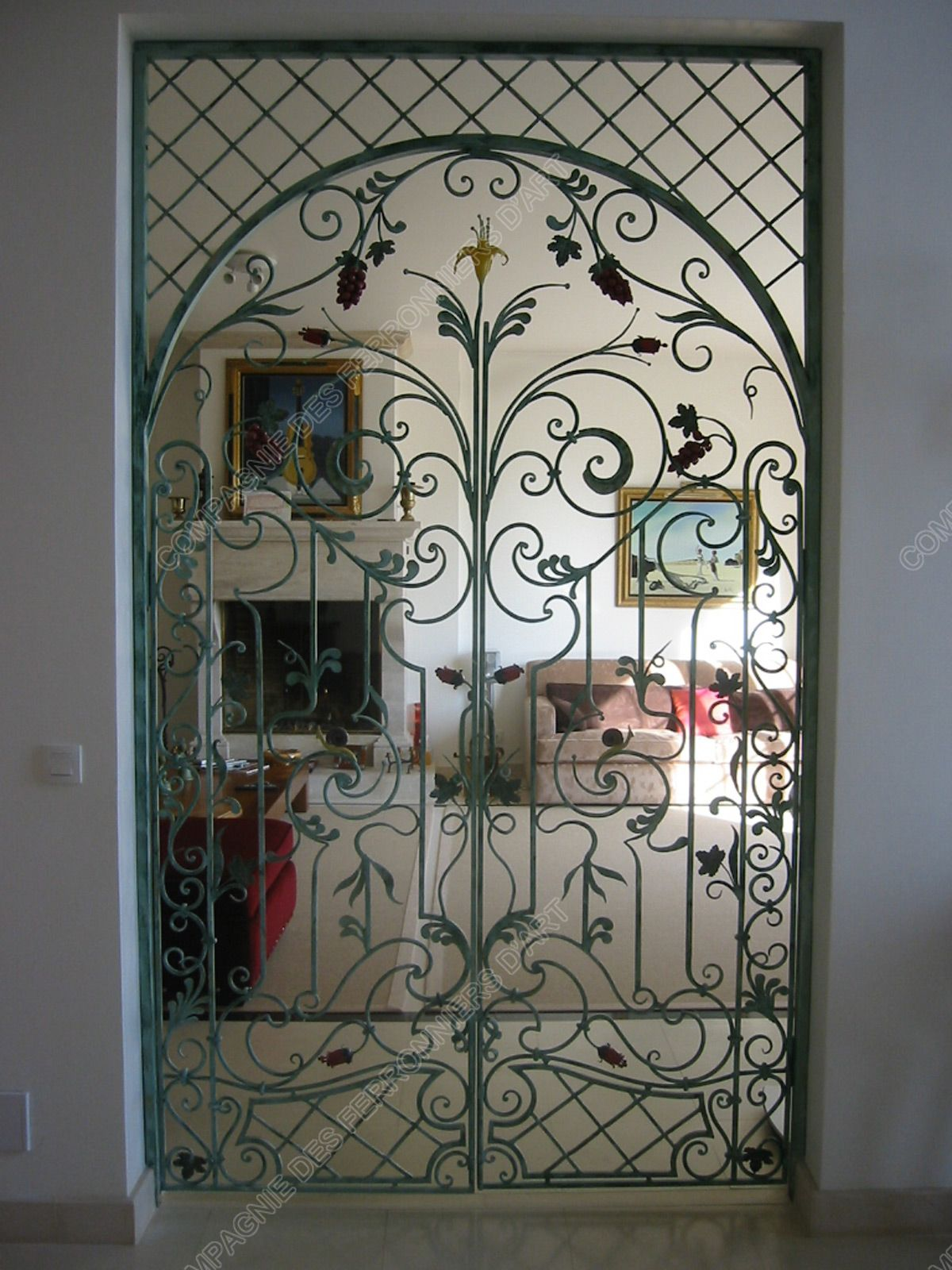 Grilles de defense style decoratif modele porte separation baroque 1 200 1 600 pixels for Photo porte en fer forge