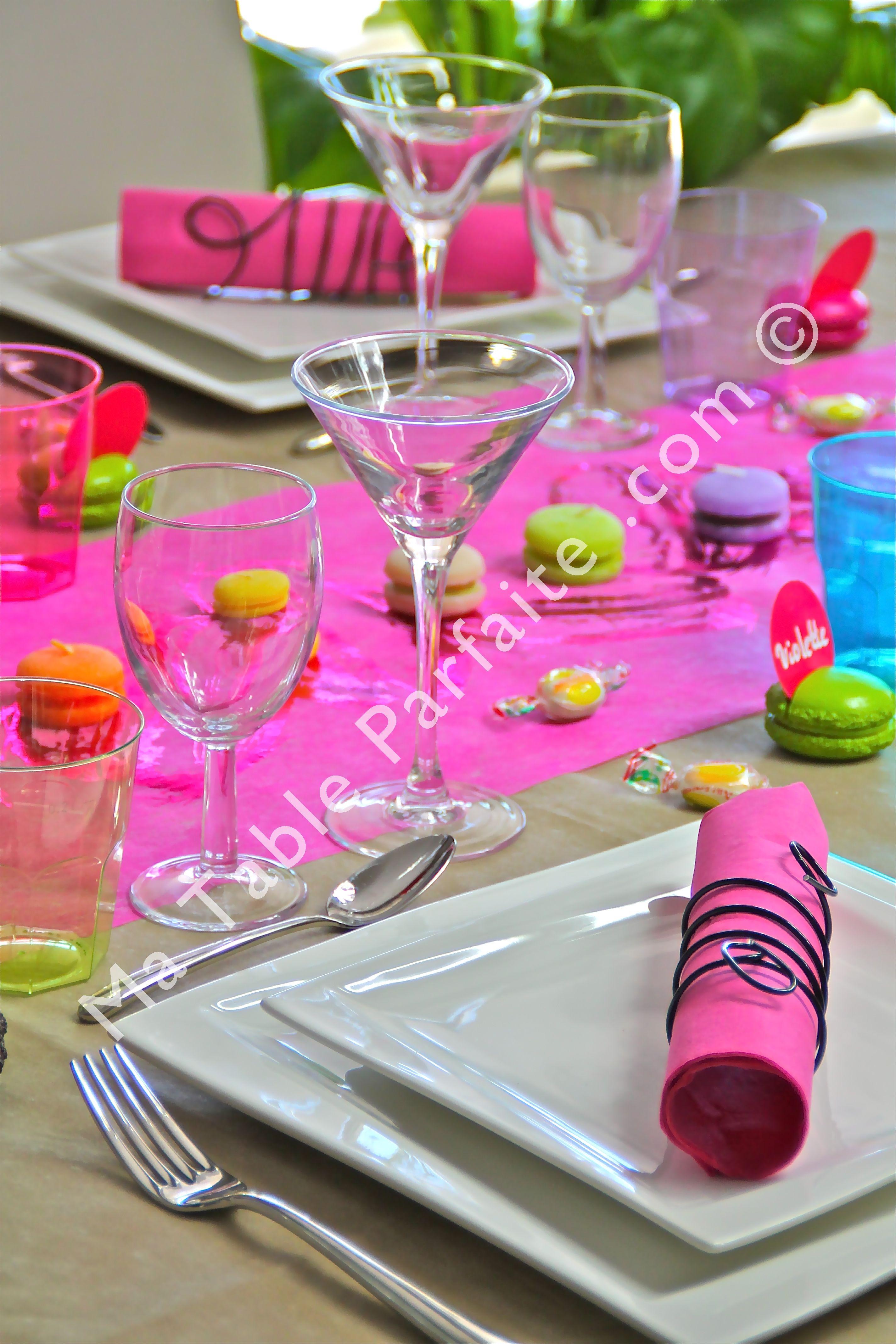 Décoration de table prête-à-poser Par gourmandise avec nappe non ...
