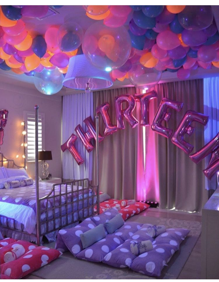 Sleep over room birthday party for teens sleepover for Decor your hotel