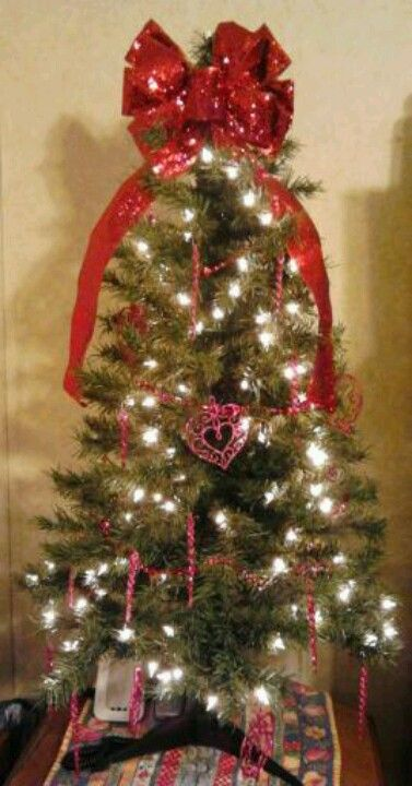 Valentine Tree 4 ft pre-lit Christmas tree, red bow Christmas tree