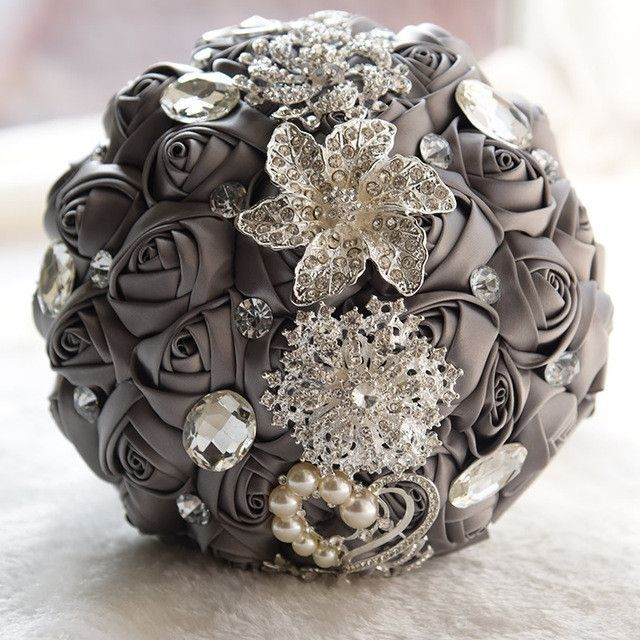New Customized Bridal Wedding Bouquet with Pearl Brooch