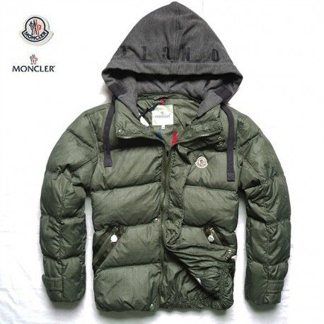 fashion outlet moncler milano