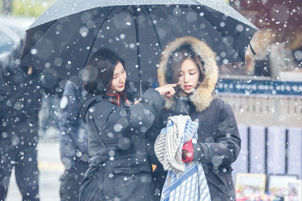 Twice - Sana and Mina
