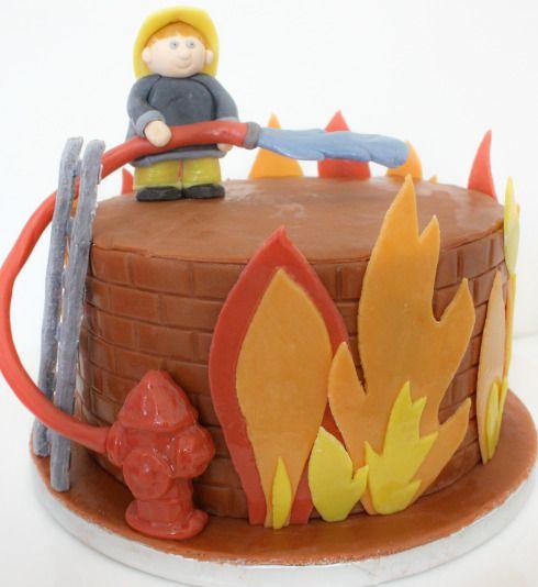 G teau d 39 anniversaire pompiers cupcakes d co p te - Deco anniversaire pompier ...