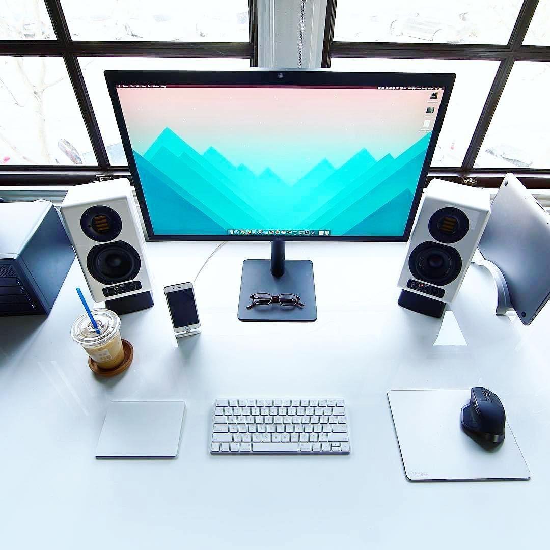 Deskdsign Un Bureau Agreable C Est Important Pour Travailler Avec Productivite Sur Le Web Affiliation Bureau D Ordinateur Diy Decoration Bureau Travail Bureau