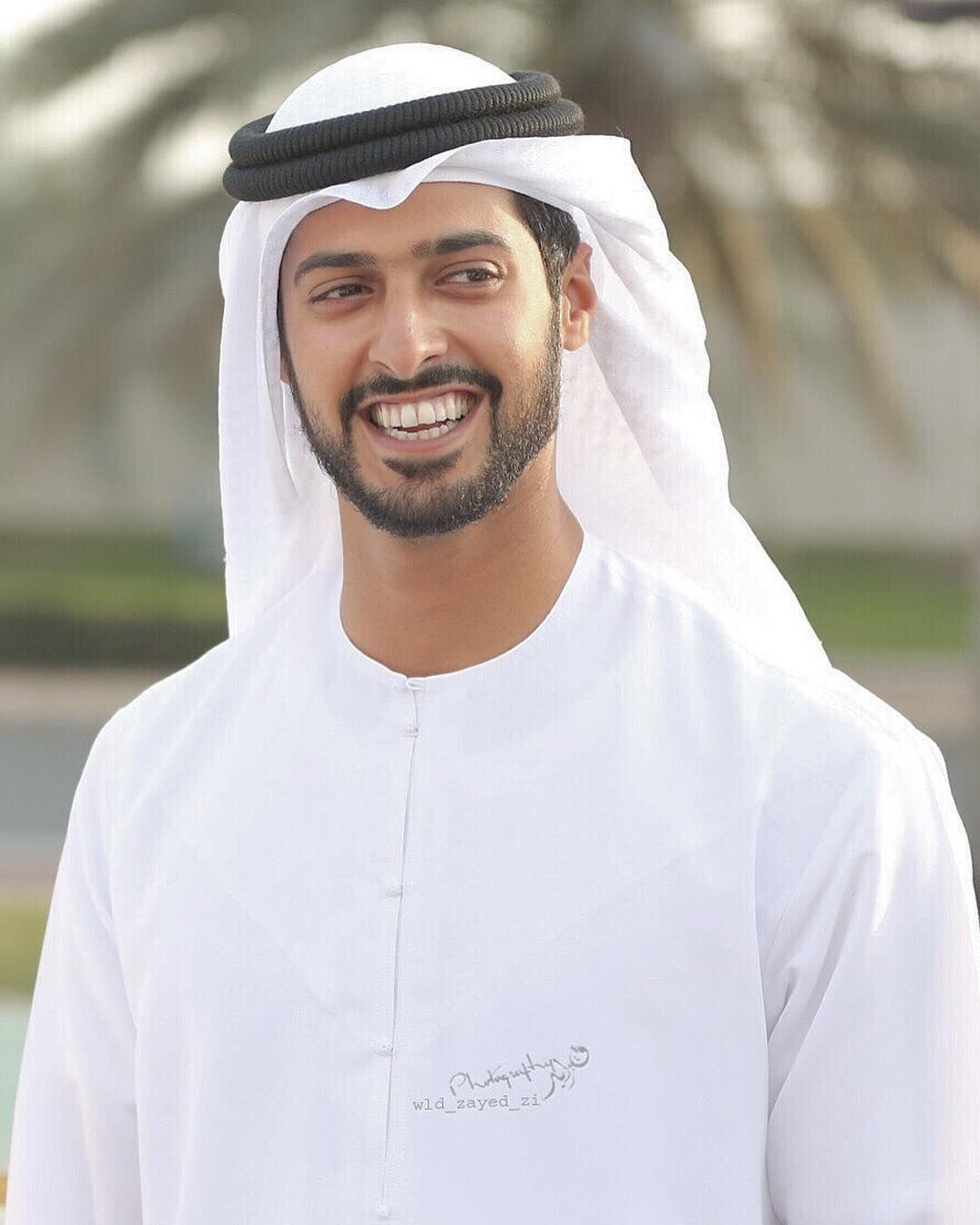 Oremos Por La Recuperacion De Sheikh Zayed Bin Hamdan Bin Zayed Al Nahyan Y De Sus Companeros Rashid Al Balushi Y R Middle Eastern Men Arabian Beauty Arab Men