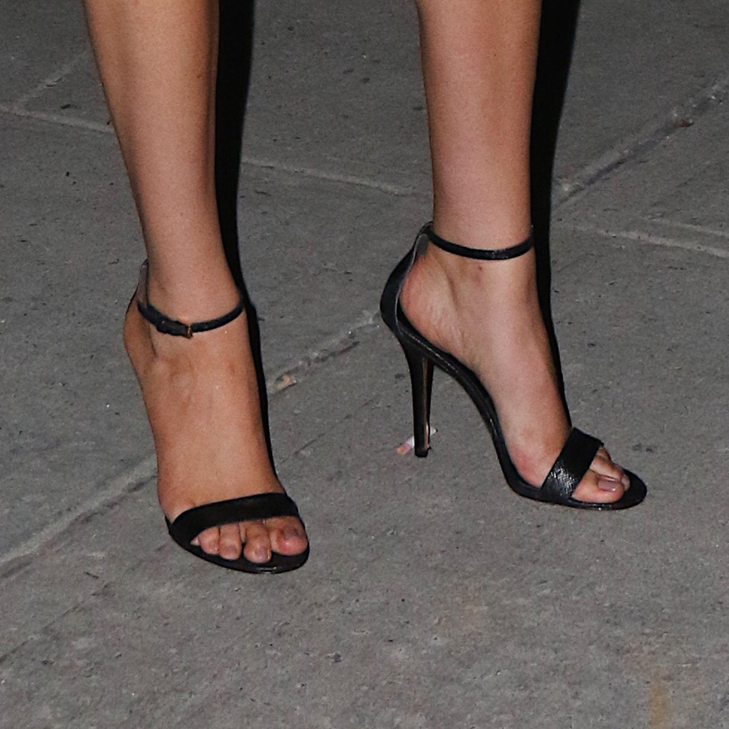 Kate uptons feet wikifeet ladies shoes pinterest celebrity kate uptons feet wikifeet altavistaventures Choice Image