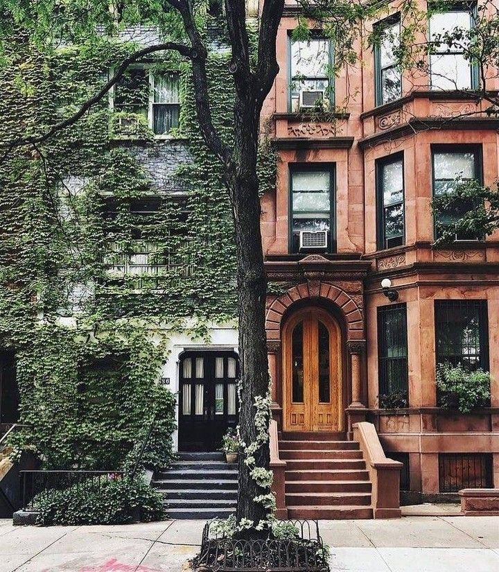 The beautiful and historic architecture of New York City.  Which side do you lik...-#* #fixerupper #fixerupperstyle #homelove #hygge #hyggehome #ilovemyhome #interior_delux #interior2you #interior4you1 #interiordesignblog #interiordesignlovers #interiorlove #interiorlover #interiorlovers #livingroomideas #lovemyhome #magnoliahome #shiplap #Eurovision aesthetic