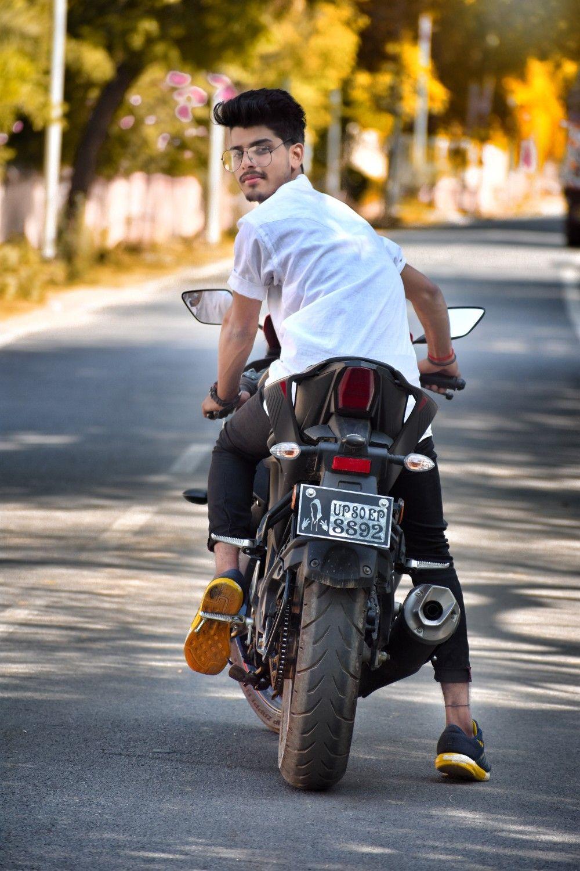 Sumit Chahar Photo Poses For Boy Boy Photography Poses Photoshoot Pose Boy