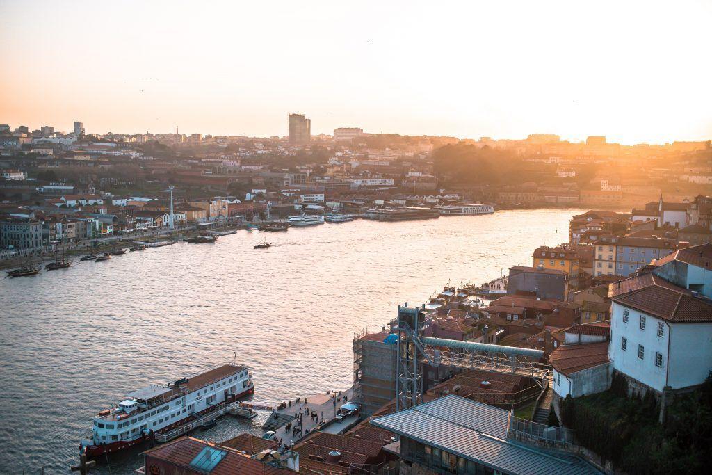 ⓘ Qué ver en Oporto ¡Guía de lugares imprescindibles!