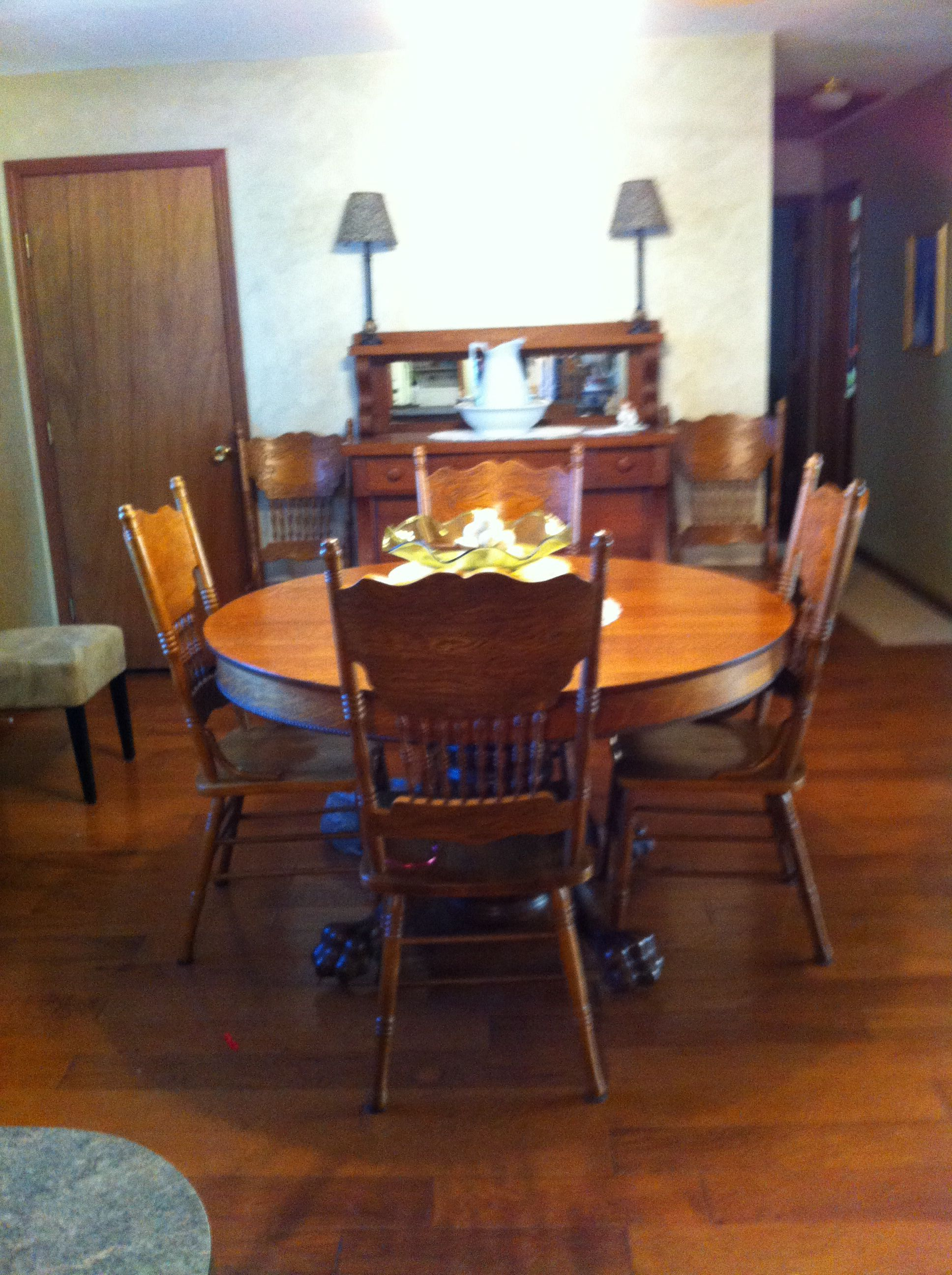 150 Year Old Family Antique Round Oak Claw Foot Table And Chairs