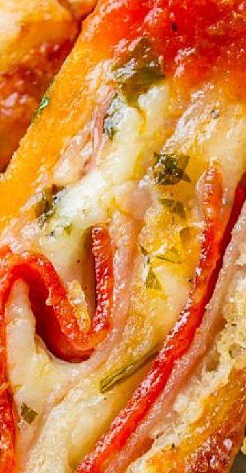 Classic Stromboli Recipe (Easy Dinner or Quick Appetizer!) #quickdinnerideas