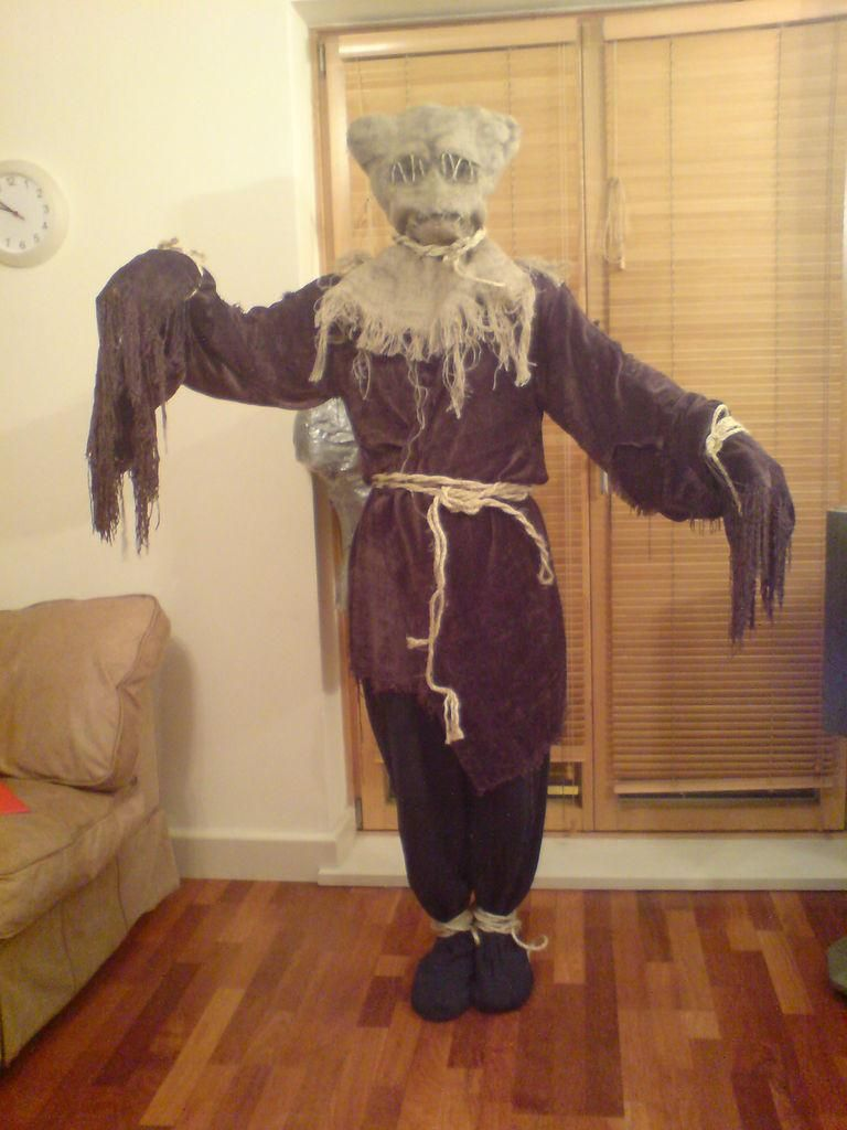 DIY Tutorial: DIY Scarecrow Costumes / How to make a Doctor Who ...