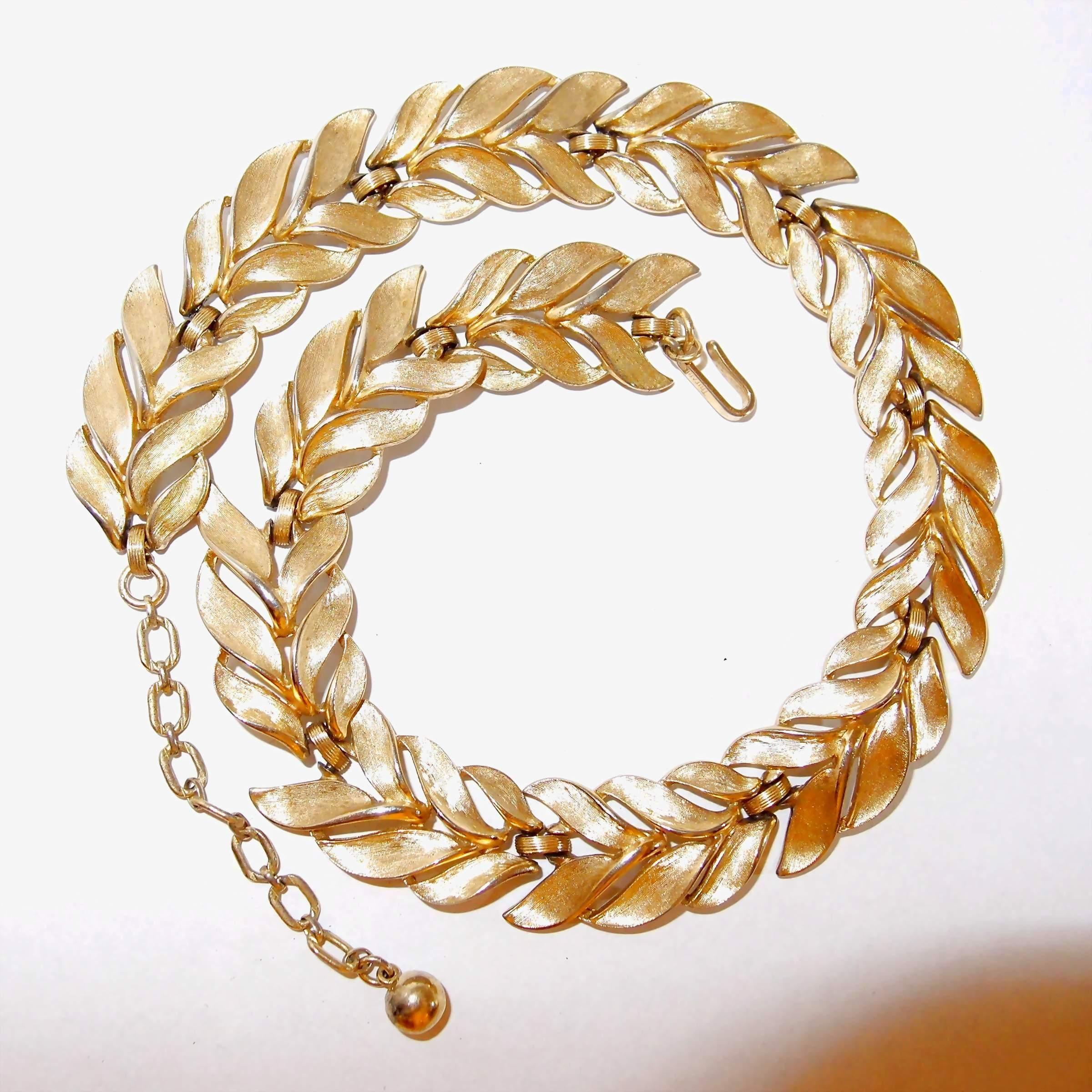 Brushed Gold-tone Leaf Trifari Link Necklace