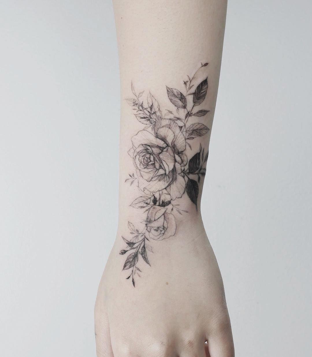 Flower Tattoo Artist Tattooist Flower Tatuyiseuteu 2020 Dovmeli Kadin Gul Dovmeleri Inspiration Tattoos