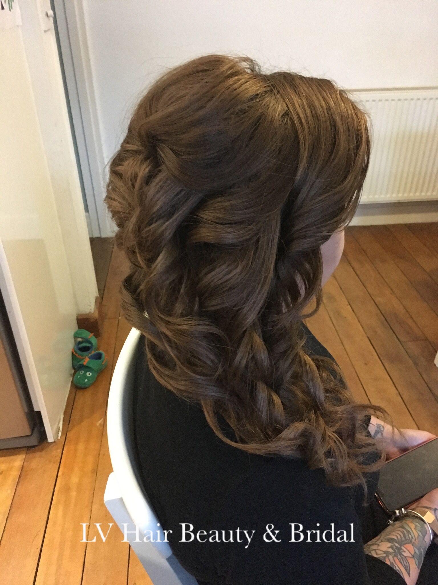 Wedding Bridesmaid Side Pony Tail Frisur Hochgesteckt Haar Styling Haarschonheit