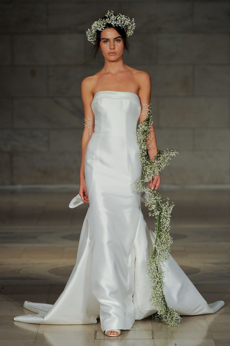 d710873280b 25 Simple Wedding Dresses From Fall 2018 Bridal Week