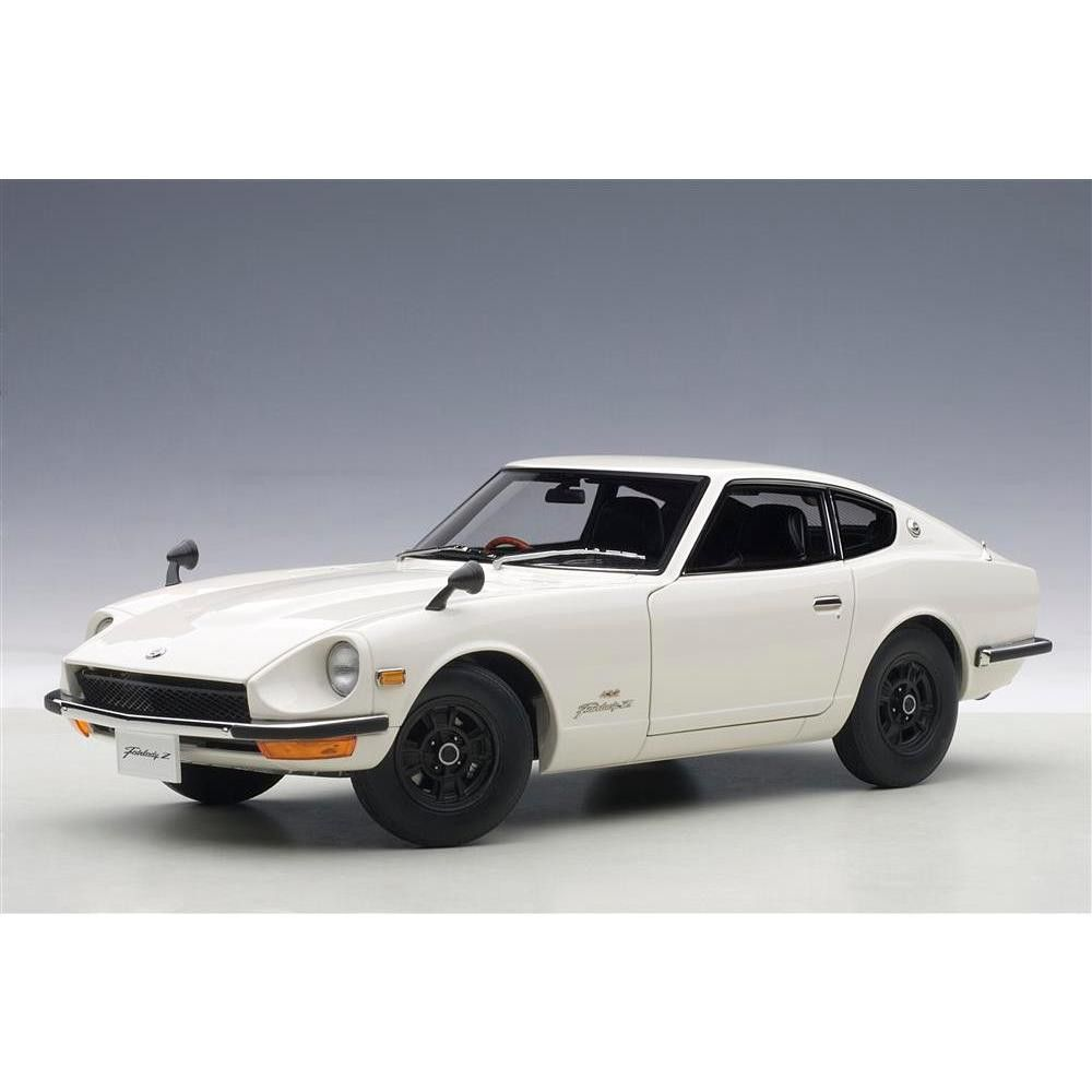 1969 Nissan Fairlady Z432 (PS30) White 1/18 Diecast Model Car by AutoArt