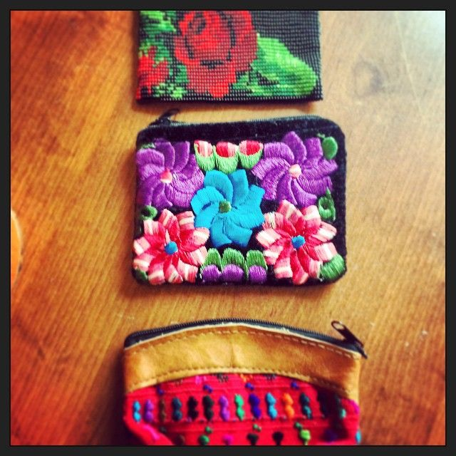 Monederos hechos a mano, tejidos y bordados Handneedle purses