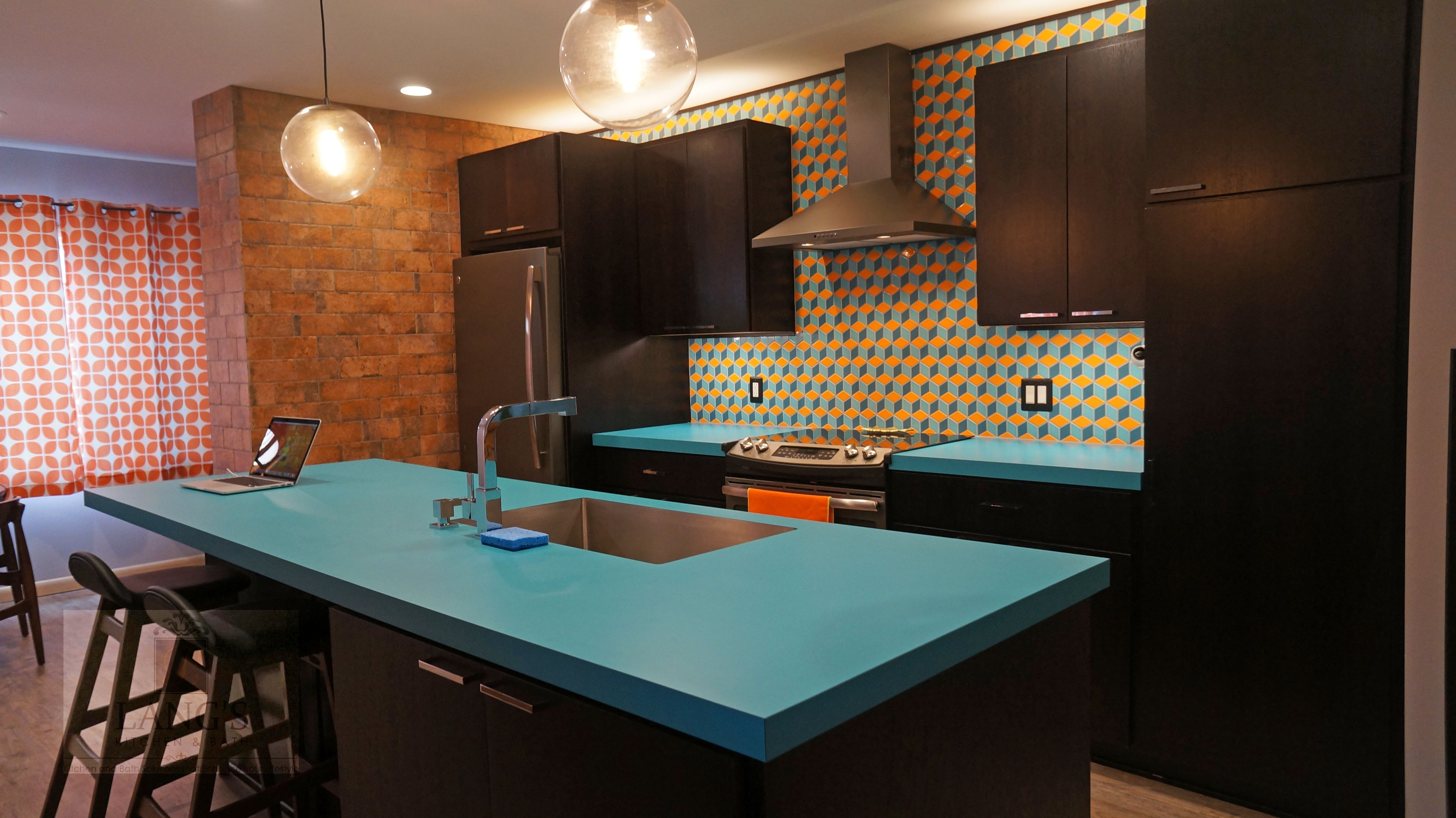 This dynamic KitchenDesign is oneofakind with a blue