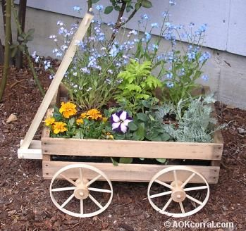 Wooden Wagon Planter Directions Want To Make This To Paint And Use For Fall Decor On The Porch Cassette Di Legno Progettazione Di Giardini Fioriera Carriola