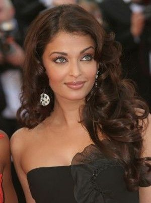 Long Wavy Hairstyles For Round Faceshairstyles Faces Beautiful And Fun Celebrity Looks Bzxlushl