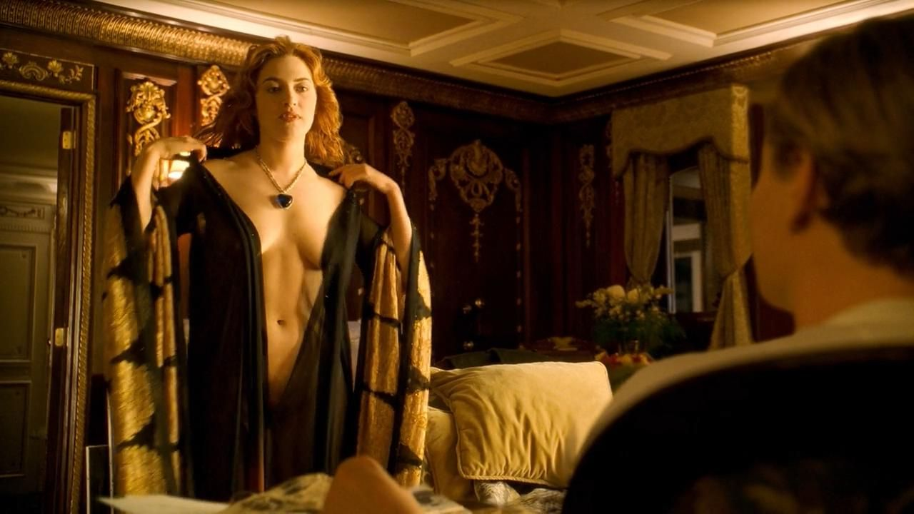 Kate winslet paint naked