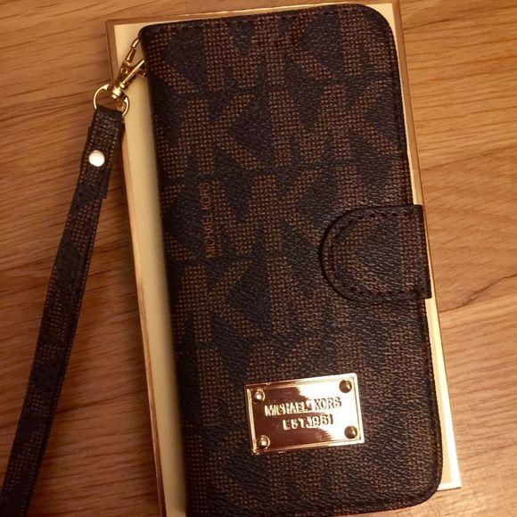 a1f56caf7008bb MK WALLET IPHONE 6s or plus case Fast shipping Michael Kors Accessories
