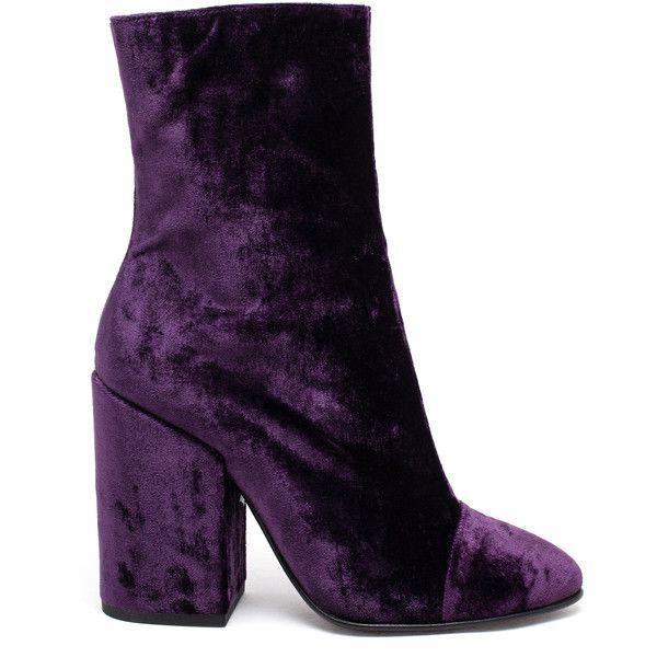 DRIES VAN NOTEN (2.440 BRL) ❤ liked on Polyvore featuring shoes, boots, dries van noten, dries van noten shoes, velvet heart shoes, velvet boots and purple shoes