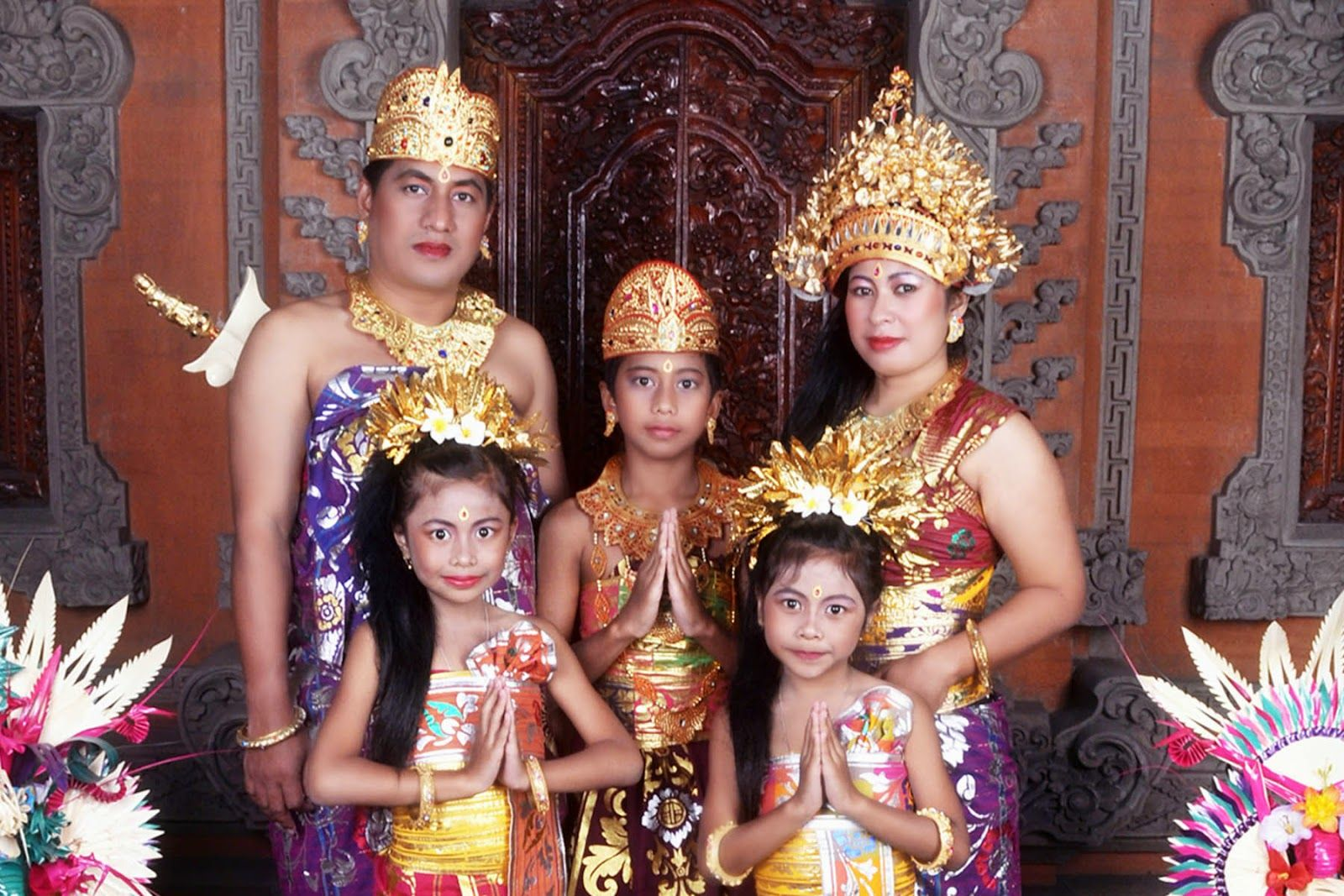 Nama Pakaian Adat Suku Bali
