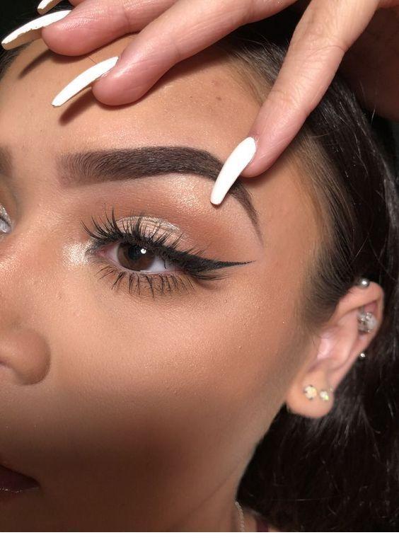 White nails, eyeliner - LadyStyle - Nails -