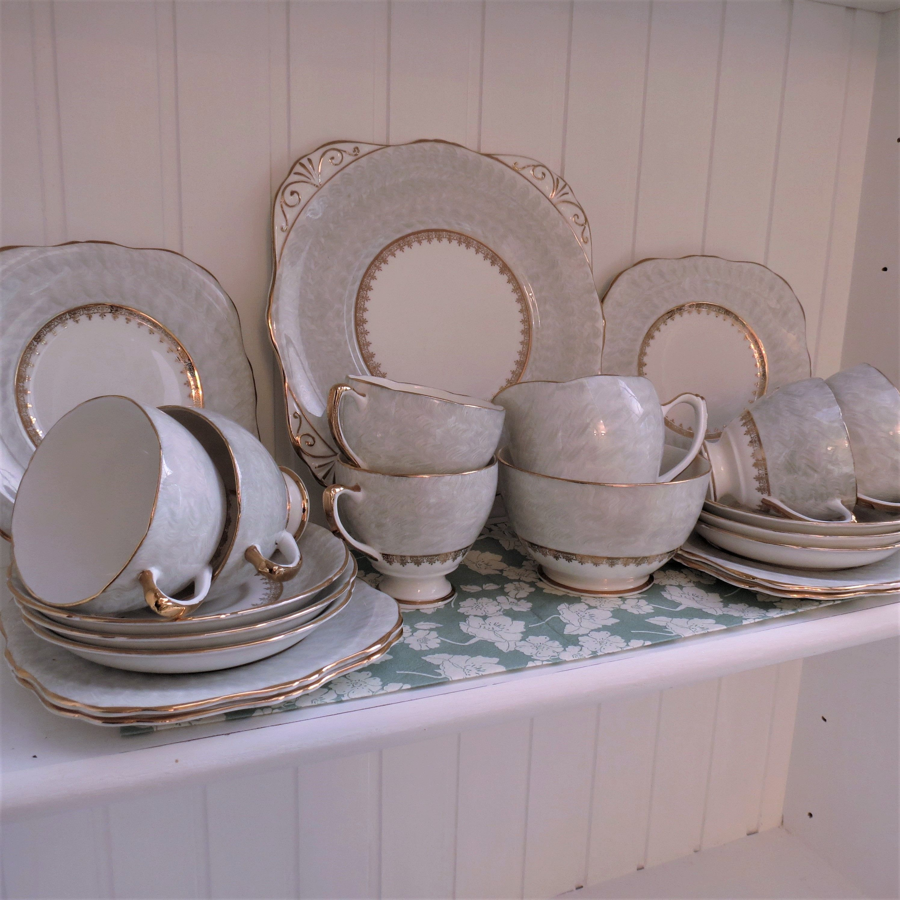 Dakin 21 Piece Fine Bone #china #tea Set. #Vintage Tea Set In