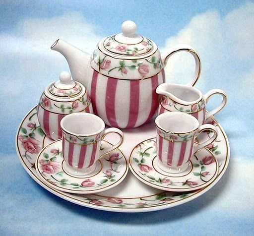 We need a tiny tea set, but the challenge will be finding one bigger than Barbie (1:6) but smaller than AG/SD (1:3).  We need 1:4 scale!