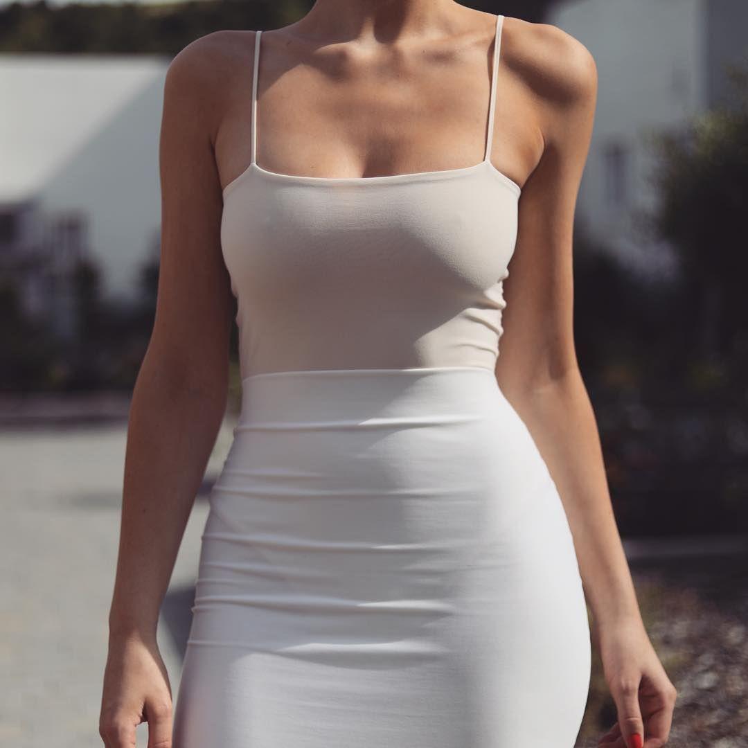 Pin by Scotty Dog on Dangerously Beautiful | Fashion dresses