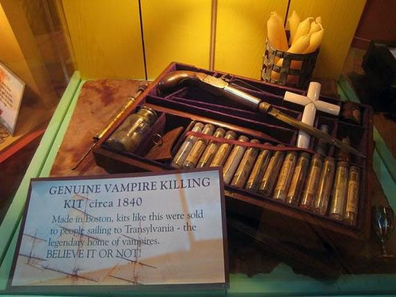 http://theghostdiaries.com/real-vampire-hunter-kits-from-the-1800s/