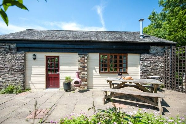 Honeypin South Torfrey Farm Cornwall Enjoy The Cottage Gardens Which Are A Delight Throughout The Year Holiday Cottage Cottage Holiday Cottages In Cornwall