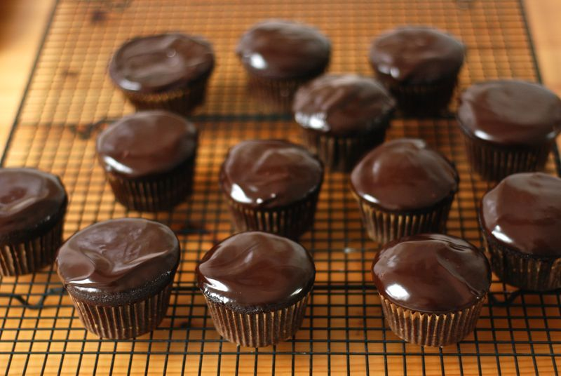 Actually, will someone bake these devil's food cupcakes for me?!