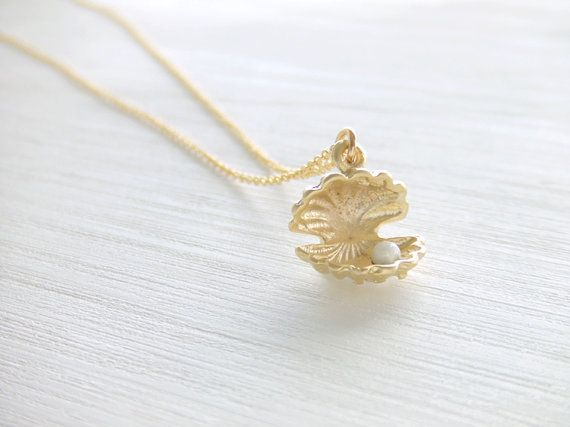 Pearl in Shell Jewelry Necklace Seashell Open Clam 16K Gold Plated
