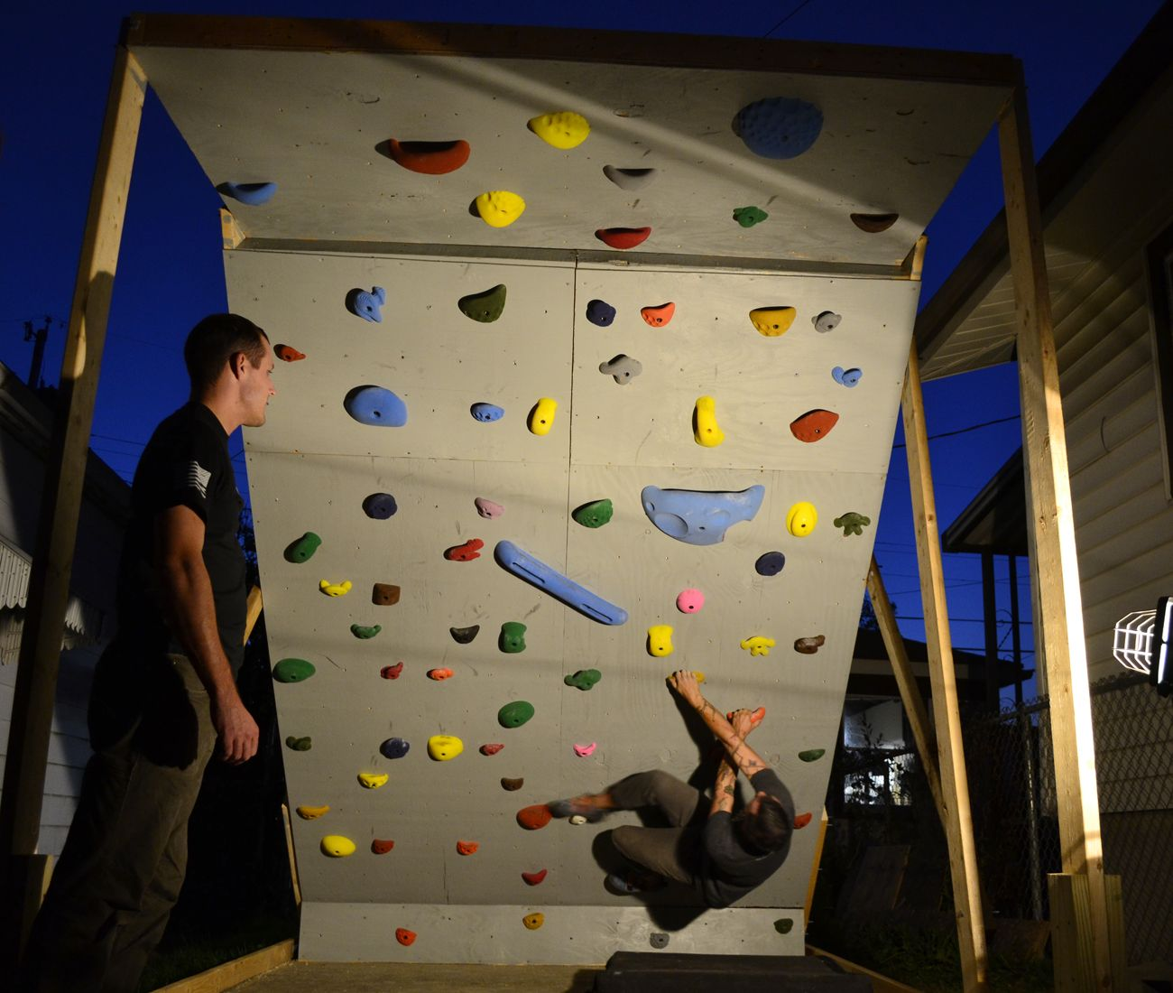 Building a bouldering wall our life outside bouldering pinterest kletterwand klettern - Kletterwand zu hause ...