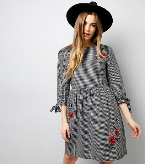 ac3763006c Black Floral Embroidered Gingham Check Smock Dress