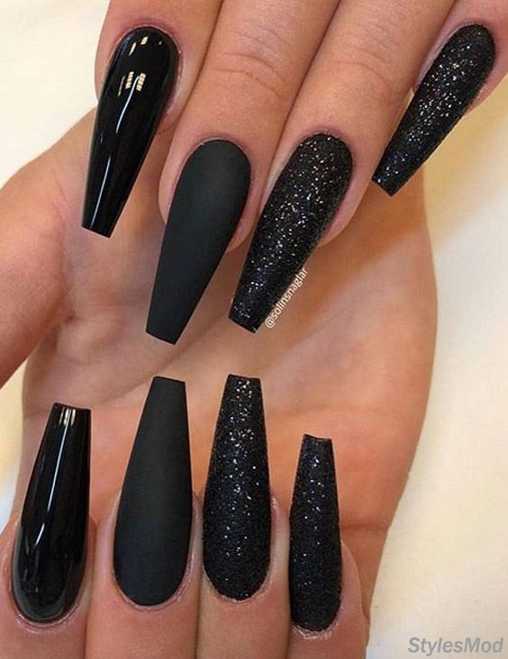 Super Pretty Long Black Nail Styles Trends For 2018 Stylesmod Long Black Nails Black Acrylic Nails Long Nails