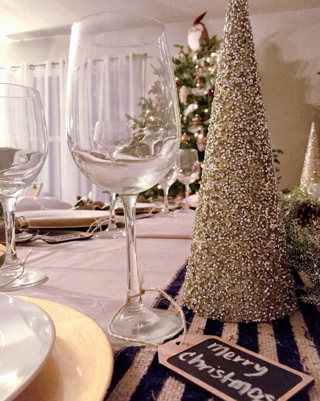 Our dinner table for Christmas. Besides being pretty, it