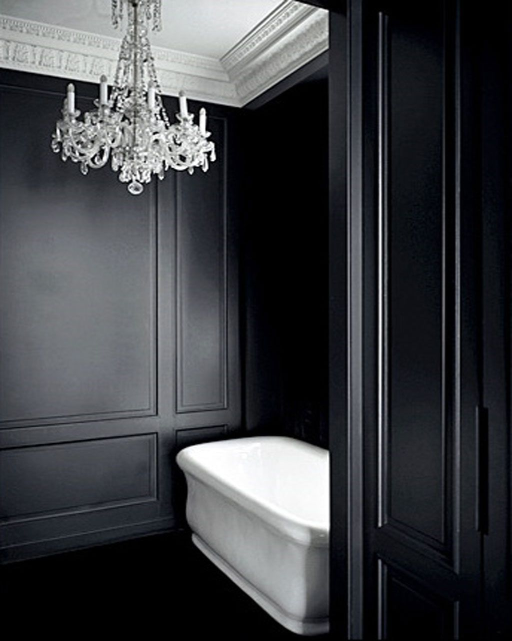 Black walls in the bath... via Beautiful And Luxurious & Black walls in the bath... via Beautiful And Luxurious   The Loo in ...