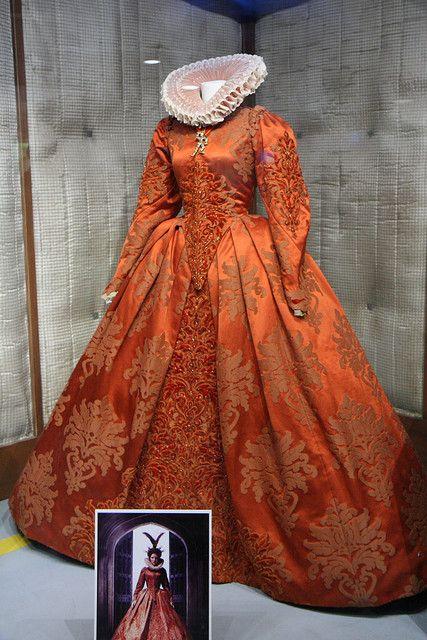 Elizabeth: The Golden Age costume | { women - 1500 } in ...
