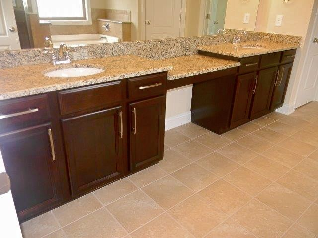 Ballentine owner 39 s bath new venetian gold granite dal for Acacia kitchen cabinets