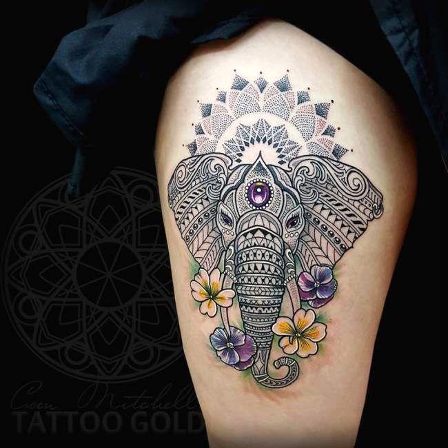 tatouage de femme : tatouage Éléphant dotwork sur cuisse