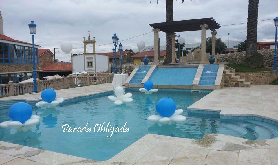 Decoraci n de piscina con globos decoraci n fiestas de - Fiesta de piscina ...