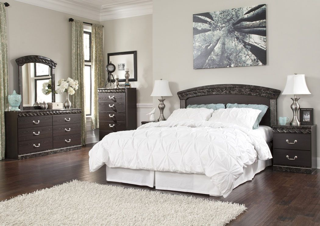 """The rich classic style of the """"Vachel"""" bedroom collection"""
