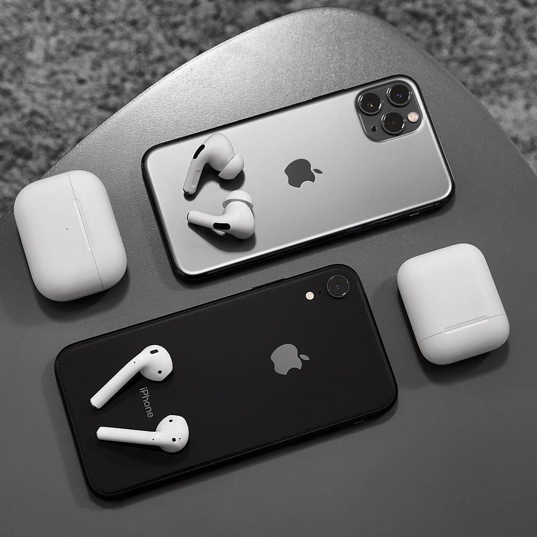 Epingle Par Smartphone Solutions Sur Black Design En 2020 Iphone Gratuit Accessoires Iphone Ecouteur Bluetooth